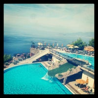 รูปภาพถ่ายที่ Utopia World Hotel โดย Mehmet A. เมื่อ 10/13/2012