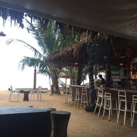 Photo taken at Holiday beach Bar&Restaurant (Koh Samui) by Gema G. on 12/29/2017