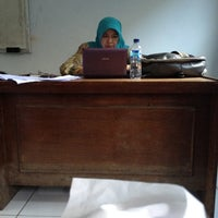 Photo taken at Fakultas Hukum by adenunuu on 11/1/2012