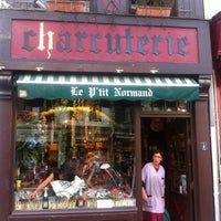Photo taken at Le P'tit Normand - Charcuterie by Martijn K. on 7/6/2013
