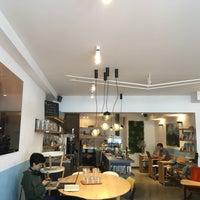 Das Foto wurde bei Cafe Velvet Brussels von Martijn K. am 9/1/2018 aufgenommen
