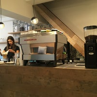 Das Foto wurde bei Cafe Velvet Brussels von Martijn K. am 7/14/2016 aufgenommen