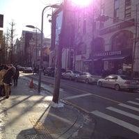 Photo taken at Garosu-gil by Wonseuk on 12/8/2012