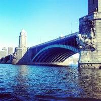 รูปภาพถ่ายที่ Charles River โดย Carolina P. เมื่อ 4/6/2013