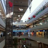10/6/2012 tarihinde Engin Kayaziyaretçi tarafından Starcity Outlet'de çekilen fotoğraf
