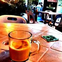 Photo taken at Restoran Razz Maju by Iuejan B. on 12/15/2013