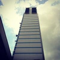 Foto scattata a Bras Basah Complex da Eugene Y. il 12/22/2012