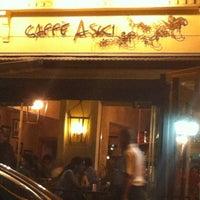 10/16/2012 tarihinde Nesheziyaretçi tarafından Caffe Aşkı'de çekilen fotoğraf