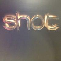4/1/2013 tarihinde Aydın Y.ziyaretçi tarafından Shot Bistro Lounge & Bar'de çekilen fotoğraf