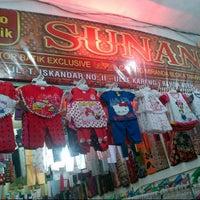 Photo taken at Sunan Batik by Jamal M. on 4/30/2013