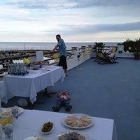 Foto tomada en Hotel Llafranch por Silvia el 6/21/2013
