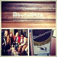 Foto tomada en The Woolworth por John S. el 12/15/2013
