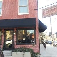 Foto tomada en Little Amps Coffee Roasters por Darius J. el 12/23/2012