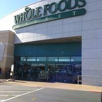 Foto scattata a Whole Foods Market da Miranee il 2/17/2013