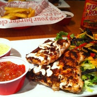 Photo taken at Red Robin Gourmet Burgers by Nickie on 2/13/2013