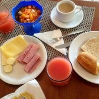 Photo taken at Vela e Mar Hotel Fortaleza by Hoksana on 7/19/2014