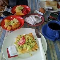 Photo taken at Wenara Bali Bungalow by Christ S. on 3/27/2013