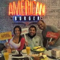 Foto tomada en American Burger por Licenciado Adrian R. el 10/3/2016