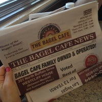 Foto tirada no(a) The Bagel Cafe por Tammy S. em 10/14/2012