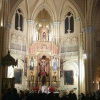 Photo taken at Iglesia del Sagrado Corazón de Jesús by daHawkeyecaller (. on 12/22/2016