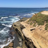 Photo taken at Sunset Cliffs Natural Park by Simon A. on 5/20/2017