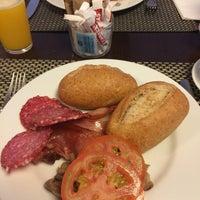 Photo taken at BEST WESTERN PLUS Hotel Cantur by Mya D. on 9/3/2016