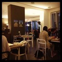 Foto scattata a Urban Food da Lorenz 📚 Λόρεντζ il 5/12/2013
