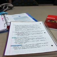 10/1/2012 tarihinde Katrinaziyaretçi tarafından West Campus Library (WCL)'de çekilen fotoğraf