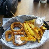 2/24/2013 tarihinde Mertziyaretçi tarafından Burger House'de çekilen fotoğraf