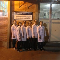 Photo taken at Instituto de Química - IQUFU by Franciele O. on 9/26/2013