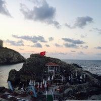 7/21/2015 tarihinde SevbaNziyaretçi tarafından Iyot Restaurant Cafe & Beach'de çekilen fotoğraf