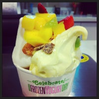 Photo taken at Yogurtland by Steven L. on 2/5/2013