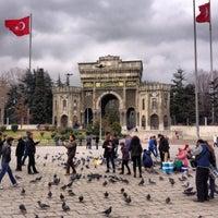 2/17/2013 tarihinde Recep K.ziyaretçi tarafından Beyazıt Meydanı'de çekilen fotoğraf