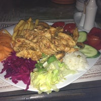 Photo taken at Gramofon Cafe & Bistro by Fahriye Esra B.🎶❄️❄️❄️ on 10/4/2012