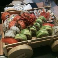 11/24/2012 tarihinde InfiniCtoziyaretçi tarafından Kioto Sushi'de çekilen fotoğraf