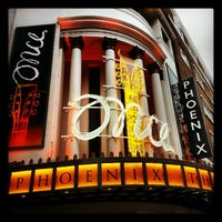 Foto tirada no(a) Phoenix Theatre por Marcus em 3/15/2013