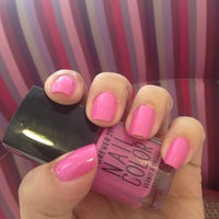 Photo taken at Pink Nail Bar & Beauty by Alyne on 10/1/2014