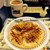 Photo taken at Waffle House by Andres C. on 9/23/2013