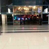 Photo prise au Ogilvie Food Court par Jd G. le12/2/2012
