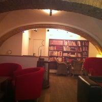 2/15/2013 tarihinde Alexey V.ziyaretçi tarafından Nonloso Caffé & Bar'de çekilen fotoğraf
