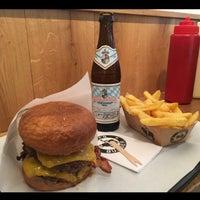 Das Foto wurde bei Ruff's Burger von Kerime N. am 10/8/2016 aufgenommen