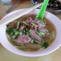 Photo taken at SP Beef Noodle(牛肉面) by louisekhor_ on 9/16/2012