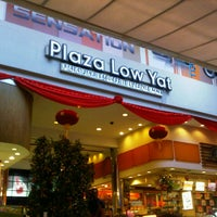 Photo taken at Plaza Low Yat by Azka M. on 2/13/2013