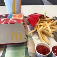 Photo taken at McDonald's by John L. on 3/1/2017