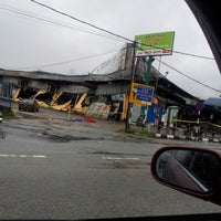 Photo taken at Pasaraya Salamku by Ramly Awang on 12/24/2012