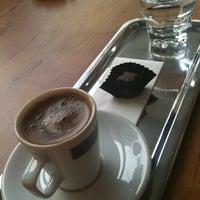 11/12/2012 tarihinde Selinziyaretçi tarafından San Marco's Caffé'de çekilen fotoğraf