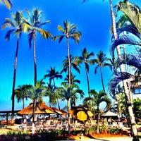 Foto tomada en Plaza Pelicanos Grand Beach Resort por Eletta B. el 4/6/2013