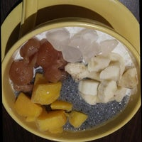 Photo taken at Honeymoon Dessert - Pluit Village by DiVa on 7/15/2013