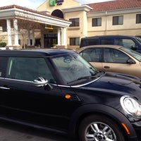 Photo prise au Holiday Inn Express & Suites Santa Clarita par Robyn S. le1/19/2014