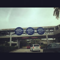 Photo taken at Universal Orlando Resort Parking Complex by Darina B. on 11/13/2012